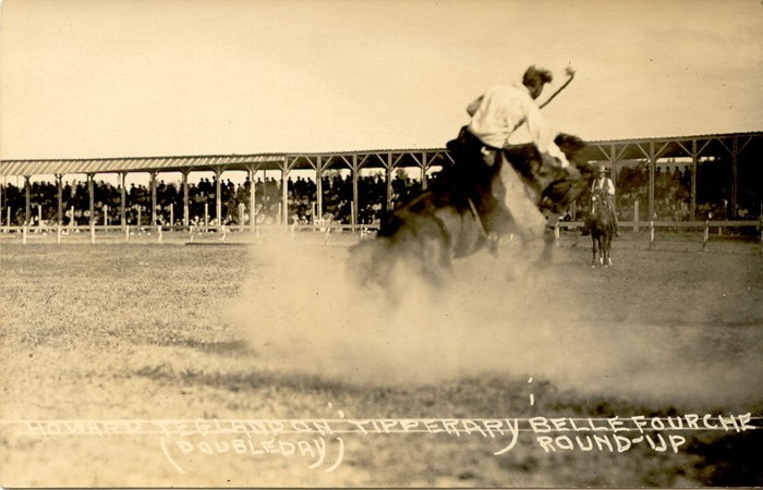 Howard Teglund on Tipperary, Belle Fourche Round-Up. This is one of the most famous buckin' horses of all time.